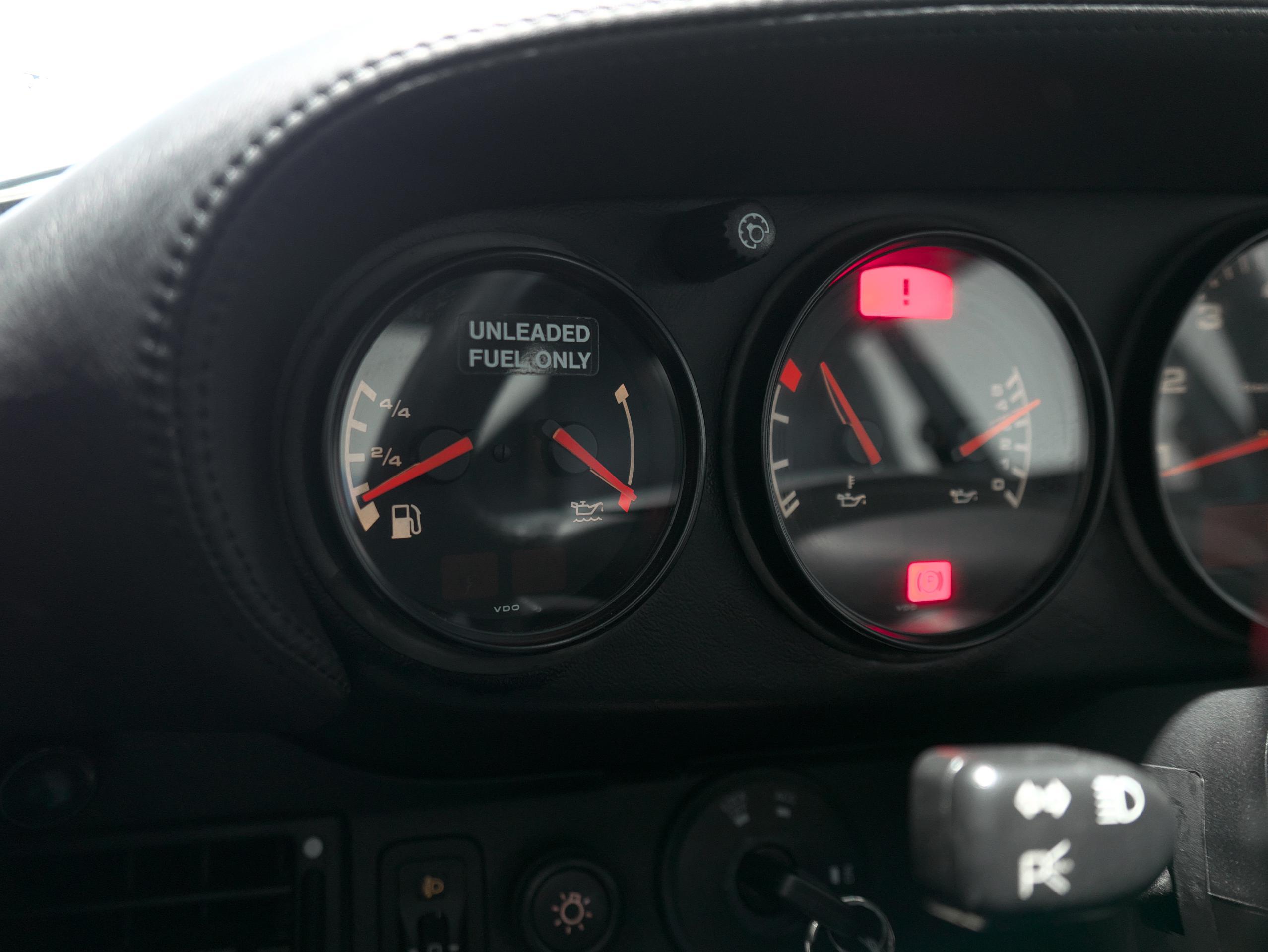 ポルシェ 911 カレラ4S 993 燃料計