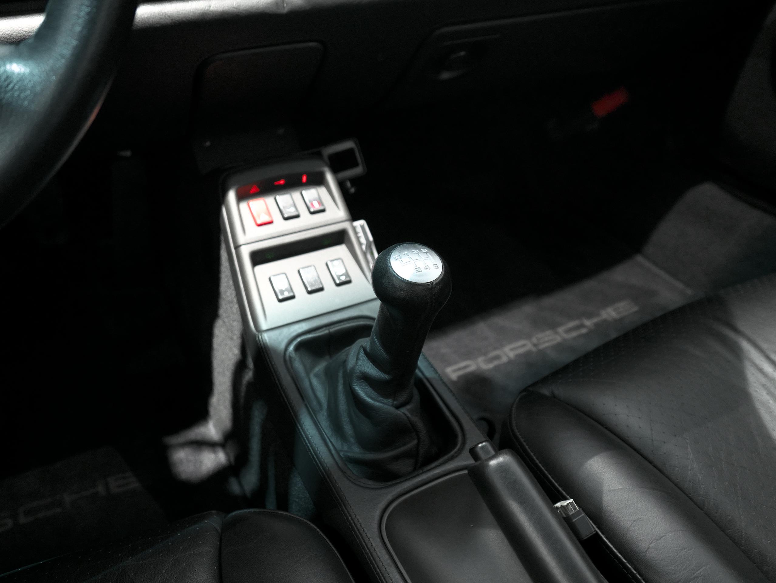 ポルシェ 911 カレラ4S 993 センターコンソール