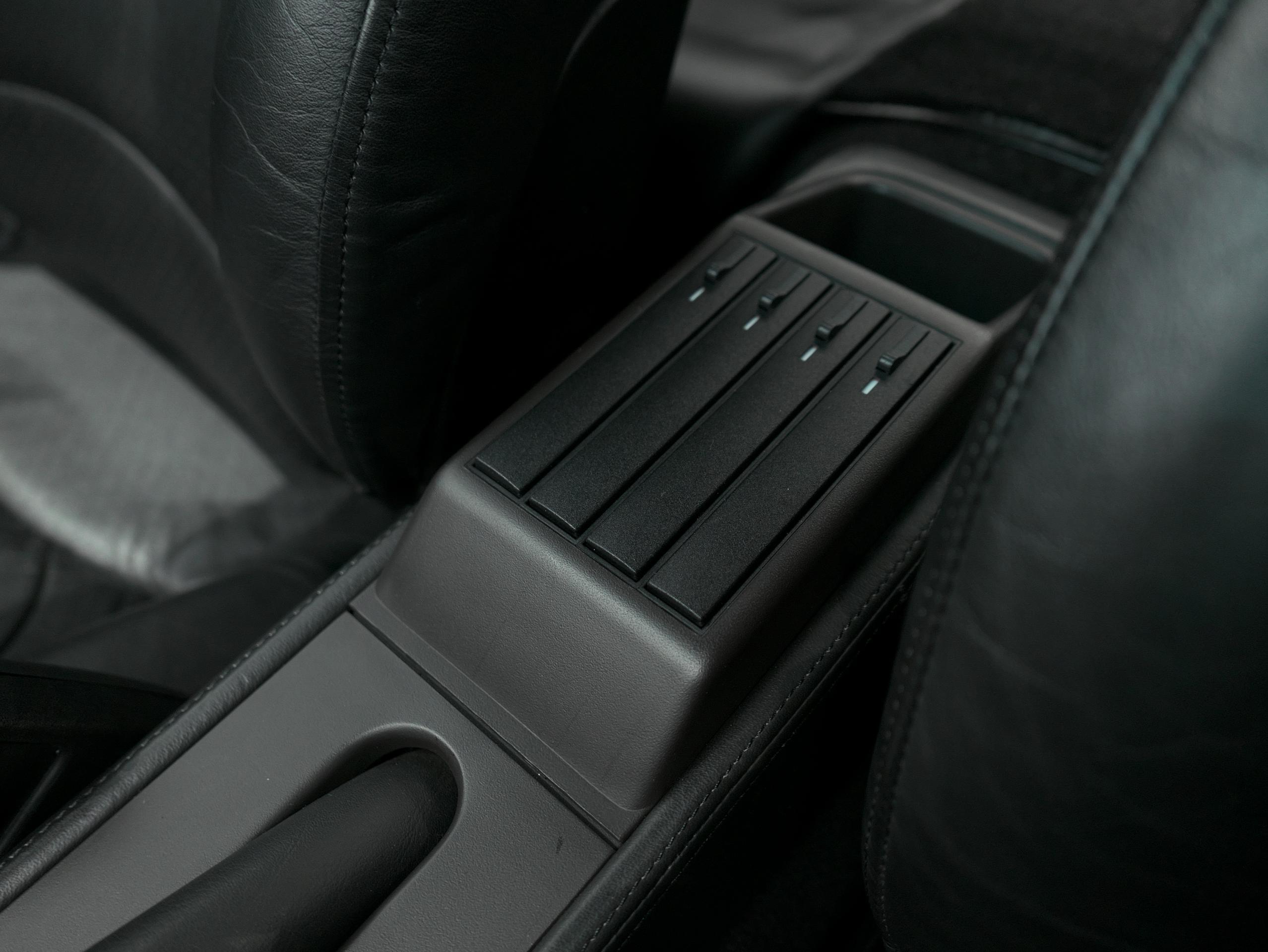 ポルシェ 911 カレラ4S 993 CDチェンジャー