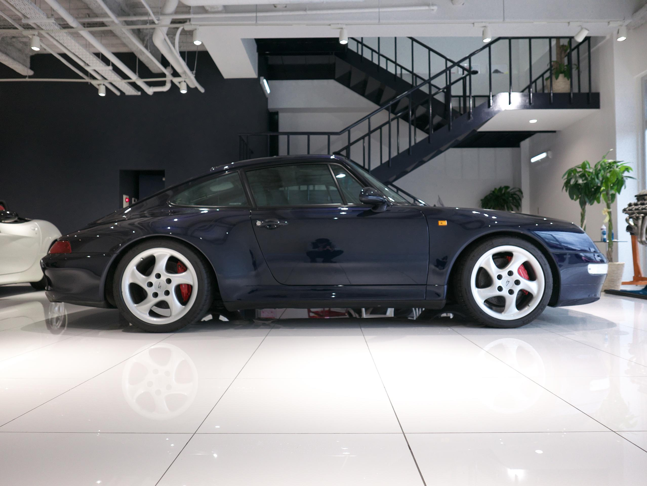 ポルシェ 911 カレラ4S 993 右サイドビュー