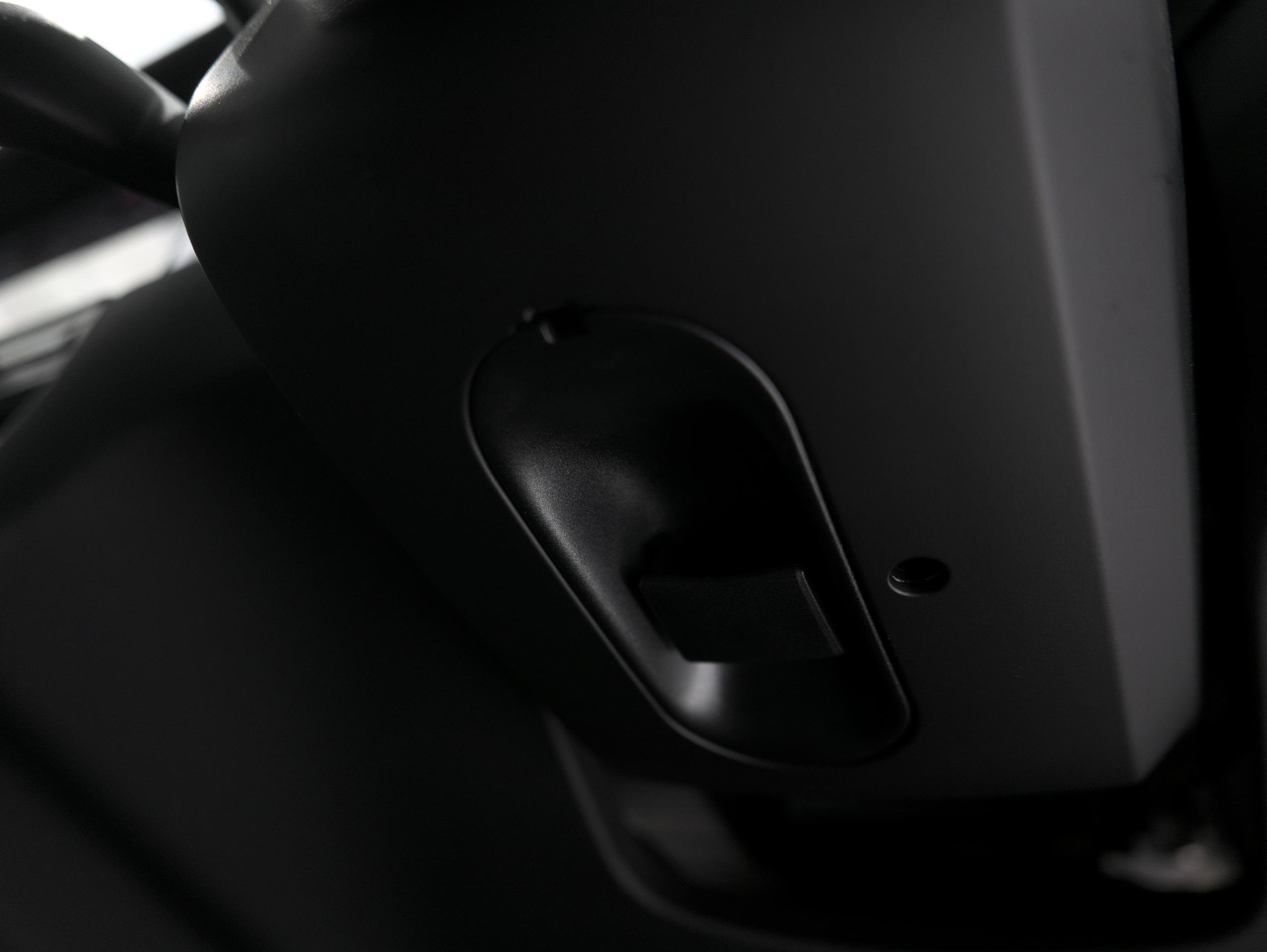 ポルシェ マカン GTS スポーツクロノ 電動調整ステアリング